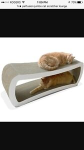 Jumbo  Pet Fusion Cat Scratcher and Lounge.