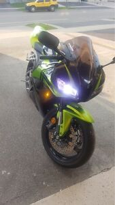 BEAUTIFUL GREEN MOTORCYCLE FOR SALE