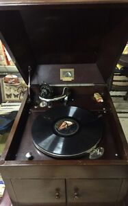 Gramophone 1930s His masters voice vintage in excellent working order Berkshire Park Penrith Area Preview
