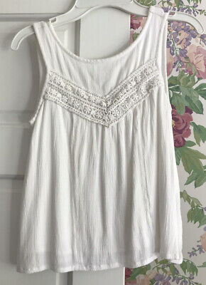 Abercrombie Kids Size 9/10 Ivory/White Beautiful Tank! Good Condition!