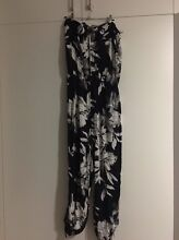 FLORAL NAVY JUMPSUIT Swansea Lake Macquarie Area Preview