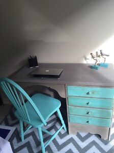 Study desk incl chair Varsity Lakes Gold Coast South Preview