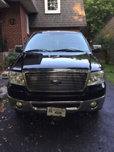 Ford F-150 pickup truck lariat 5.4 fully upgraded low KM