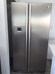 As new LG side by side fridge/freezer Mango Hill Pine Rivers Area Preview