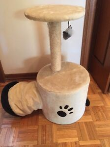 Cat scratching post bed hidey hole toy Pasadena Mitcham Area Preview