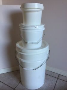 Plastic buckets with lid Carina Brisbane South East Preview