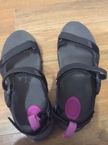 Womens Teva Toachi Sandals Euro Size 41 Au Size 10 Cairns North Cairns City Preview