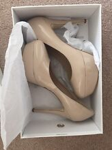 Wittier Nude Heels Size 10 Oakdowns Clarence Area Preview