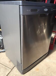 Whirlpool stainless dishwasher Paralowie Salisbury Area Preview