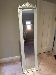 Decorated standing mirror. Excellent condition Chatswood West Willoughby Area Preview