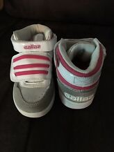 Girls Gallaz Skate Shoes Ballajura Swan Area Preview