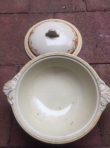Ceramic bowl with lid Keinbah Cessnock Area Preview