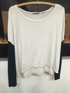 Country road long sleeved top size xxs Lane Cove North Lane Cove Area Preview