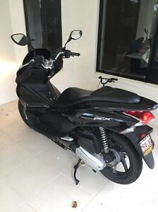 Honda PCX125 Scooter Smithfield Cairns City Preview