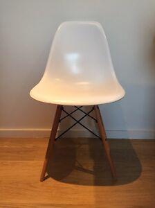 Replica Eames chair - white Bondi Beach Eastern Suburbs Preview