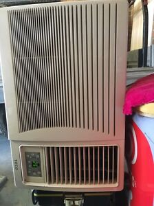 Teco 4kw aircon/ heater with control perfect condition Hillside Melton Area Preview