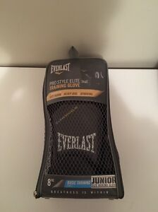 Everlast gloves Wauchope Port Macquarie City Preview