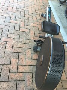 Rowing machine Stanhope Gardens Blacktown Area Preview