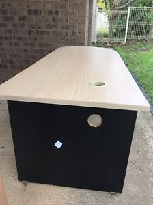 Computer table Bonnyrigg Heights Fairfield Area Preview