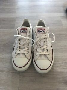 White Converse Koonawarra Wollongong Area Preview