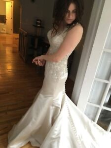 Wedding dress size 10-Allure
