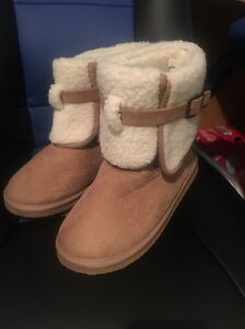 Brand new ugg boots / slippers size 8 Cambridge Park Penrith Area Preview