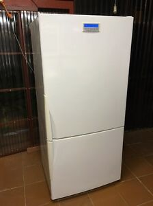 Westinghouse 505 L frost free fridge freezer Bexley Rockdale Area Preview