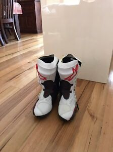 Alpine star race boots Chadstone Monash Area Preview