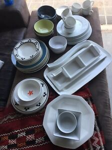 Box of crockery Mango Hill Pine Rivers Area Preview