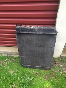Holden Vn vq vr vs vp vg v8 radiator Old Noarlunga Morphett Vale Area Preview