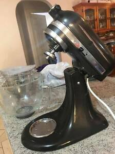 Kitchen Aid Mixer With Accessories KSM156 Walkley Heights Salisbury Area Preview