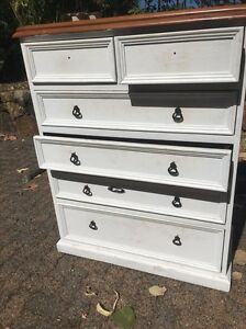 Set of drawers Trinity Beach Cairns City Preview