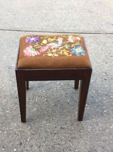 Folk Art Stool Cherrybrook Hornsby Area Preview