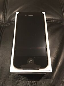 NEW IPHONE 4S 32GB Endeavour Hills Casey Area Preview