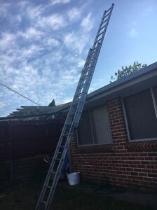 30 foot extension ladder Campbelltown Campbelltown Area Preview