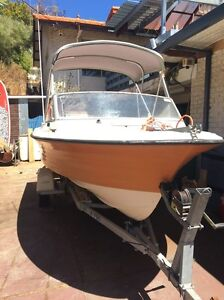 15.5 foot fibreglass boat 90 hp Scarborough Stirling Area Preview