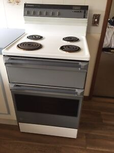 Westinghouse Silhouette series free standing oven Hahndorf Mount Barker Area Preview