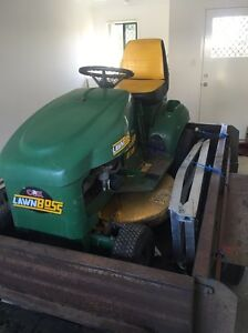 Cox ride on mower perfect condition Archerfield Brisbane South West Preview