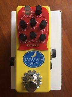 Bananana Matryoshka Bass synth pedal