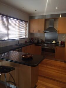 Second Hand Kitchen Greenvale Hume Area Preview