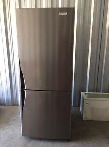 Westinghouse fridge freezer Byron Bay Byron Area Preview