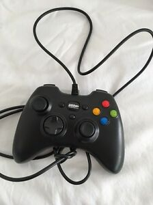 XBox 360 Controller wired. Bedford Bayswater Area Preview