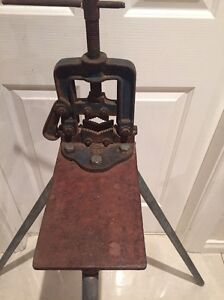 Vintage Schulz's No. 2 Pipe Clamp and Stand Thebarton West Torrens Area Preview