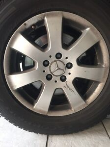 4 Mercedes Benz ML R class rim 235 65 R17 and tyres 17 inch wheel Sunnybank Hills Brisbane South West Preview
