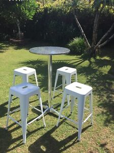 Cocktail table & bar stools for hire! Coolangatta Gold Coast South Preview