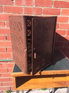 Vintage original ice chest. Great for storing. Kitchen bathroom. Tin. Brunswick East Moreland Area Preview