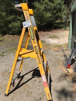 Ladder platform gorilla