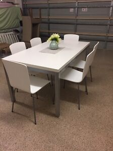White 7 piece dining setting Wellington Point Redland Area Preview