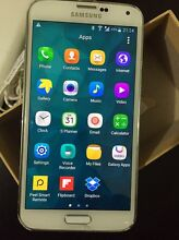 Samsung Galaxy S5 in great condition. With all accessories Golden Grove Tea Tree Gully Area Preview
