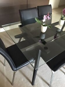 Dining table Rhodes Canada Bay Area Preview